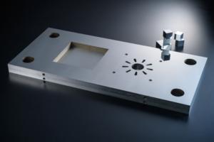 超精密門型成形平面研削盤SGDシリーズ_大型金型の超平面創成